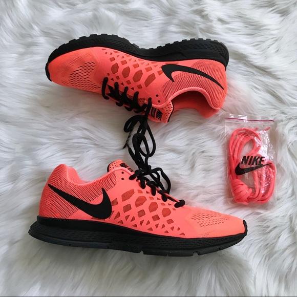 more photos 19787 99f8e Nike Air Zoom Pegasus 31 Women s Running Shoe. M 5af9b88c36b9de5cf6846024